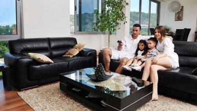 Un salon moderne et confortable